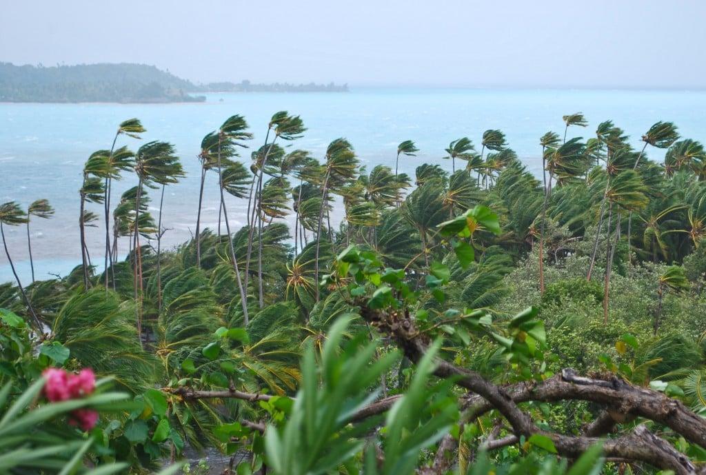 Bora Bora Cyclone Oli