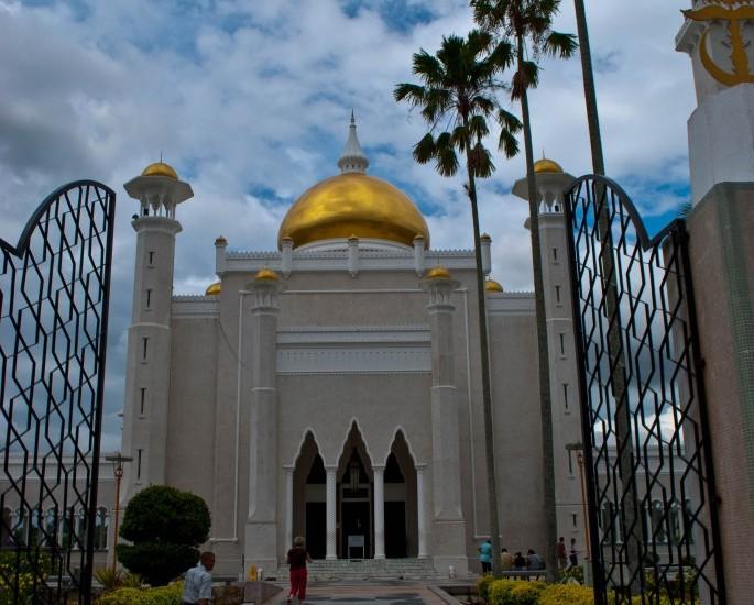 Omar Ali Saiffuddien Mosque Brunei