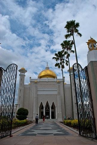 Sultan Omar Ali Saifudden Mosque, Bandar Seri Begawan, Brunei