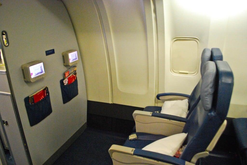 Sportartikelen online shop newcastle university architecture part 2 delta economy comfort seats 757
