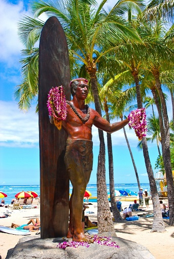 Duke Kahanamoku Statue Waikiki Beach Hawaii