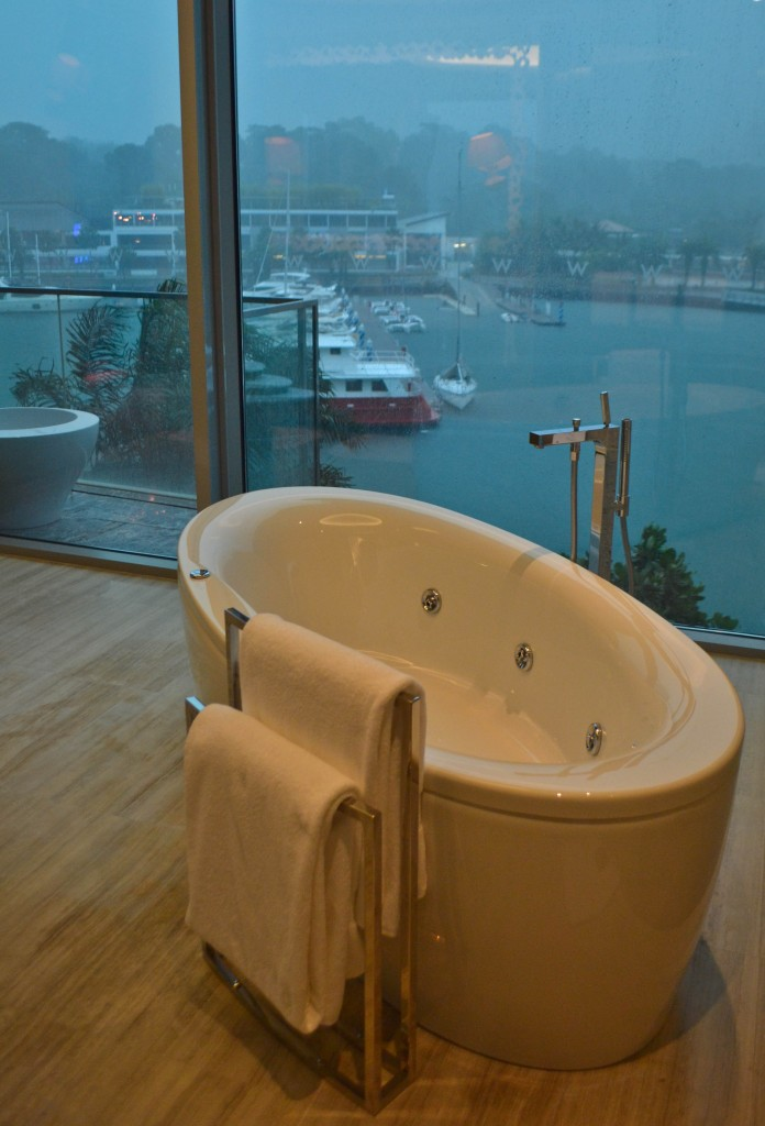 Marvelous Suite tub W Singapore
