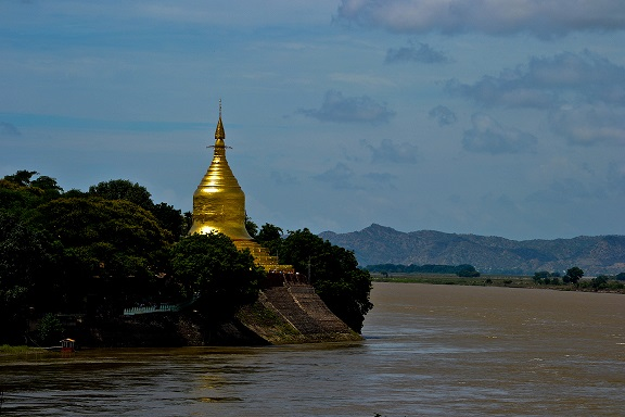 Ayeyarwaddy River Bagan Myanmar