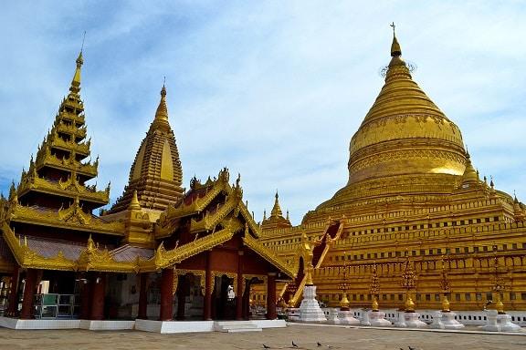 Shwe-zi-gon Pagoda Bagan Myanmar