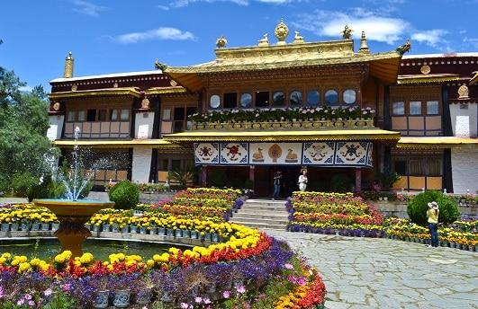 Norbulingka Summer Palace Tibet