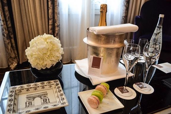 champagne Hotel Prince de Galles Paris