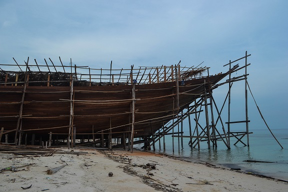 Sulawesi Boat builders Tana Beru Indonesia