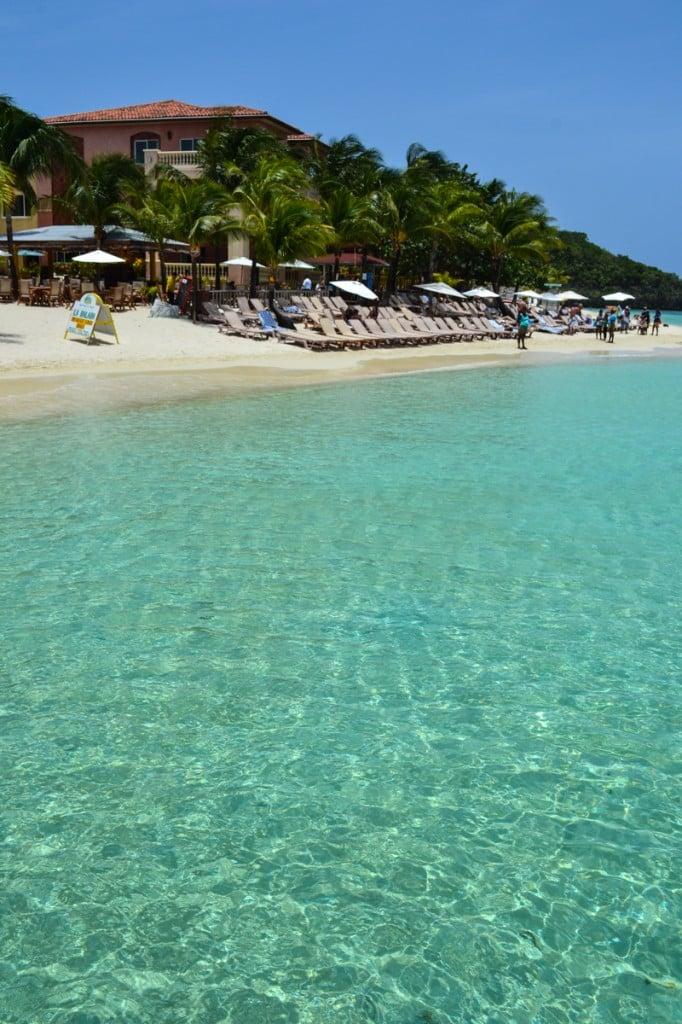 West Bay Beach, Roatan, Honduras - YouTube