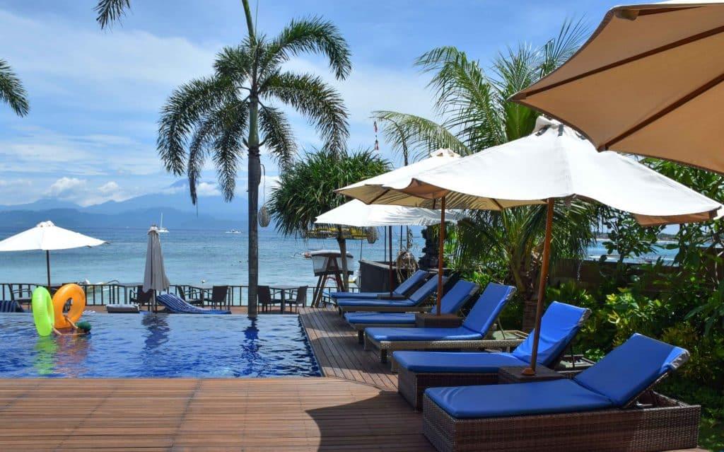 Bay Shore Huts Nusa Lembongan Bali
